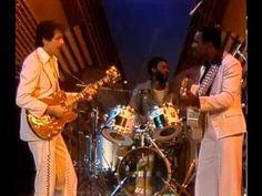 George Benson & Carlos Santana - Breezin' (1976) - YouTube
