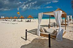 Kakao Beach Club at #SunsetRoyal Beach Resort, #Cancun