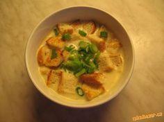 Krémová česnečka s krutony Soup Recipes, Snack Recipes, Cooking Recipes, Snacks, Czech Recipes, Ethnic Recipes, Food 52, Soups And Stews, Thai Red Curry