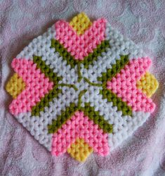 Plastic Canvas Coasters, Crochet Blocks, Filet Crochet, Baby Knitting Patterns, Elsa, Blanket, Crochet Curtains, Needlepoint, Flowers