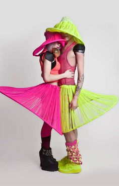 Electric Raver Knitwear - The Jylle Navarro Weird Fashion, Fashion Art, Fashion Design, Sweet Fashion, Paper Fashion, Conceptual Fashion, Geometric Dress, Art Textile, Knitwear Fashion