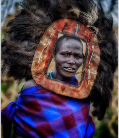 O povo Masai vive no leste da África, entre o sul do Quénia e o norte da Tanzânia, ao longo do Vale de Rifte, em terras semi-áridas e áridas.