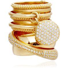Em cima: Anel Âncora (ouro e diamantes). Por Carla Amorim