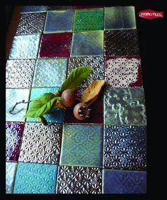 Kézműves csempe-csodaságok - ágy - asztal - tv
