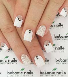 White Nail Art Ideas The chevron pattern looks so much better with a white base since it makes the pattern more prominent.The chevron pattern looks so much better with a white base since it makes the pattern more prominent. Chevron Nail Designs, Chevron Nail Art, White Nail Designs, Striped Nails, Simple Nail Art Designs, Nautical Nails, White Glitter Nails, Glittery Nails, White Nail Art