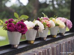 Rose de jardin dans timbales signées I.Poupinel, photos de JL SCOTTO
