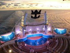Royal Caribbean's AquaTheater Shows = uhmazing, fliptastic fun