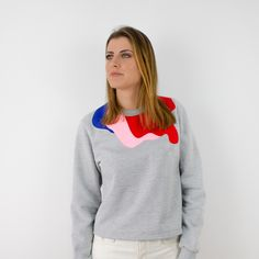 This Öst is part of a collaboration with the concept store Superchérie. This model is a limited edition. The concept behind it is and for this season Superchérie have decided to make red and pink the main colors. Pale Pink, Red And Pink, Main Colors, Slow Fashion, Going Out, Barcelona, Cool Outfits, Sweatshirts, Long Sleeve