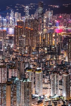 Hong Kong - Architecture and Urban Living - Modern and Historical Buildings - City Planning - Travel Photography Destinations - Amazing Beautiful Places City Aesthetic, City Wallpaper, Florida Living, South Florida, Las Vegas Hotels, Night City, City Photography, Japan Travel, Croatia Travel