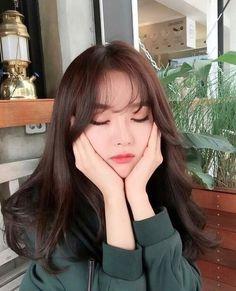 Uzzlang image on we heart it ulzzang girl's in 2019 ulzzang hair, kore Korean Long Hair, Korean Hair Color, Hair Korean Style, Korean Haircut Medium, Hair Style Korea, Style Hair, Korean Bangs Hairstyle, Korean Hairstyles, Japanese Hairstyles