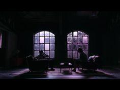 The moody apartment of Matt Murdock (Charlie Cox) on Netflix's 'Daredevil' Daredevil Matt Murdock, Marvel's Daredevil, Shin, Character Inspiration, Story Inspiration, Writing Inspiration, Detective Aesthetic, Character Aesthetic, Violet Aesthetic