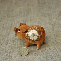 Купить Свинка, хрюшка, бубенец. - свинка, хрюшка, свинья, поросенок, свинюшка, керамика свинья, глина