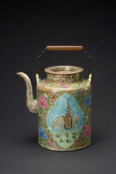 Teapot    Cambodia, 19th century    The Asian Art Museum