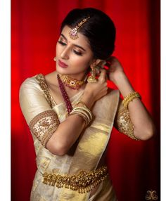 Indian Bridal Sarees, Bridal Silk Saree, Saree Wedding, Tamil Wedding, Indian Gowns, Indian Wear, Wedding Bride, Gold Silk Saree, Gold Blouse