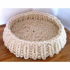£75 Round Knitted Cat Basket from www.notonthehighstreet.com Currently trying to make my own!
