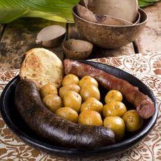 Delicioso Plato Sutano en el Restaurante Tipico Boyacense, La Fogata Sutamarchan. Barbacoa, Sausage, Meat, Vegetables, Food, Gastronomia, Gourmet, Dishes, Cooking