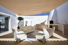 Pátio exterior : Mediterranean style balcony, veranda & terrace by Studioarte