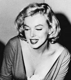 """"""" A rare photo of Marilyn Monroe in 1957. """""""