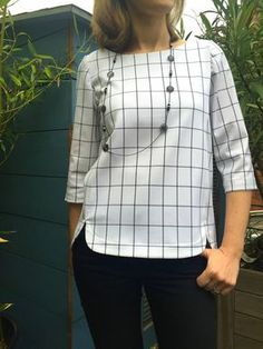Tremendous Sewing Make Your Own Clothes Ideas. Prodigious Sewing Make Your Own Clothes Ideas. Short Kurti Designs, Kurti Neck Designs, Kurta Designs Women, Blouse Designs, New Mode, Sleeves Designs For Dresses, Couture Tops, Short Tops, Blouses For Women