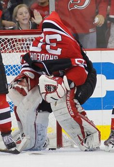 06/09/12: Sweater malfunction - The Kings try every tactic - To rattle Brodeur (Martin Brodeur just laughed in response to Jeff Carter sweatering him, Devils beat Kings in game 5, 2-1)