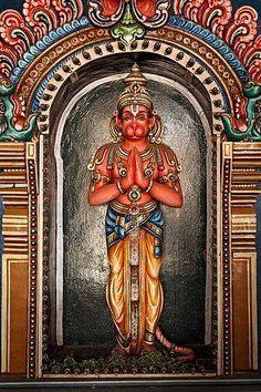 Hanuman Statue in Sri Ranganathaswamy Temple Tiruchirappalli (Trichy) Tamil Nadu India - TemplePurohit.com - http://ift.tt/1HQJd81