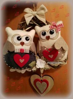 Felt Owls, Felt Animals, Fabric Crafts, Sewing Crafts, Quilling Craft, Christmas Crafts, Christmas Ornaments, Cute Owl, Felt Diy