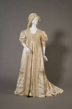 Tea gown, 1908, at the Chicago History Museum. Worn by Mrs. Bertha Honoré Palmer (1849-1918).
