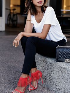 Let us check out some interesting cute skinny black jeans outfit that would help you acquire that stunning look. There are numerous outfits that can be Fashion Mode, Look Fashion, Spring Fashion, Fashion Outfits, Fashion Trends, Fashion Heels, Classy Fashion, Dress Fashion, Looks Chic