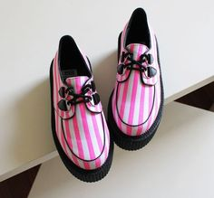Fluorescent  stripe platform shoes  size:35-39  Material: high quality canvas  Insole: leather  26003212457  Buy two items,you will get a vintage demon eyes ring for free.  Buy three items above,you will get a Stripe cat ears fluorescent color knitted hat for free,we will send the color randomly....