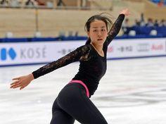 Cup of China 2015 || 公式練習で浅田はSPの曲に合わせて最終調整する(撮影・山崎安昭)