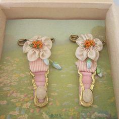 Vintage PR Pink Garter Clips Silk Ribbonwork Flowers Unused Original Box Boag | eBay