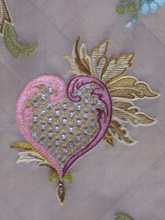 embroidery with Lunéville Hook and beads at Lesage School