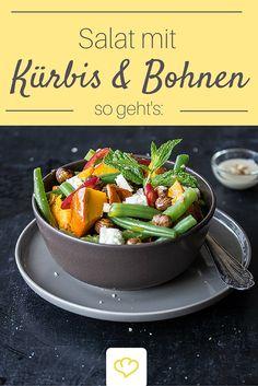 Was für ein leckeres Herbst-Salat Rezept: Kürbis, Bohnen, Feta und Haselnuss, bringen Abwechslung auf eure Teller!