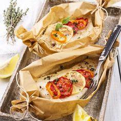 Bream baked in foil - orata al cartoccio* Fish Recipes, Healthy Recipes, Fish Dishes, Fish And Seafood, Fett, Family Meals, Italian Recipes, Love Food, Food Photography