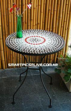 http://articulo.mercadolibre.com.ar/MLA-513157350-mesa-de-hierro-y-venecitas-para-balcon-o-jardin-_JM  Mesa venecitas.