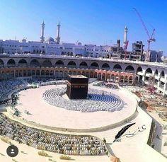 Mekkah Almukarramah Beautiful Mosques, Beautiful Places, Masjid Haram, Allah, Mekkah, Islamic Wallpaper, Greatest Mysteries, Islamic Architecture, Madina