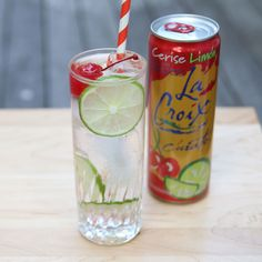 How did a sparkling water from the Midwest suddenly burst onto the scene as the drink of the summer? - La Croix - Ideas of La Croix Beach Drinks, Summer Drinks, Fun Drinks, Alcoholic Drinks, Party Drinks, Beverages, Vodka Mixed Drinks, Vodka Cocktails, Cocktail Drinks