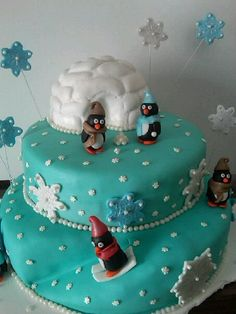 Penguin cake! Two things that are always awesome!