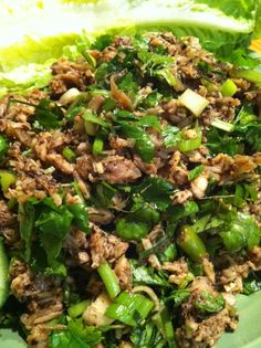 Lao laap kai (Lao minced chicken salad)