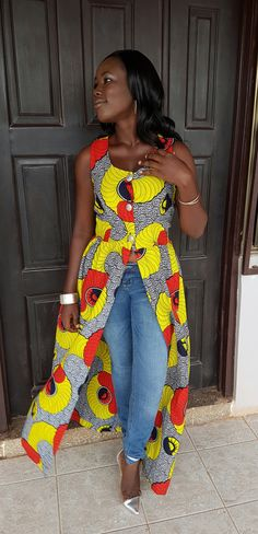 This beautiful ankara print top perfect paring to pants, jeans, dress or skirt. Versatile for many occasions  Ready to ship in Medium  Also available