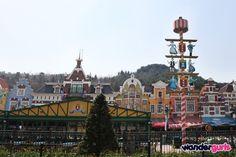 Everland, Seoul. Read more: http://www.wandergurls.com/south-korea-everland-theme-park-seoul/