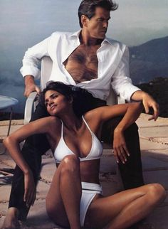 Pierce Brosnan & Halle Berry by Annie Leibovitz for Vogue December 2002