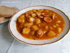 Bramborovy gulas s chlebem Chana Masala, Cheeseburger Chowder, Beans, Soup, Potatoes, Dinner, Vegetables, Ethnic Recipes, Essen
