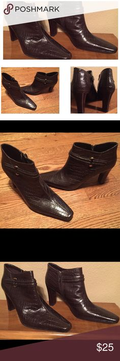 """Nine West Leather Croc Embossed Ankle Boots 8.5 M Nine West Croc Embossed Leather Ankle Booties in Chocolate Brown Size 8.5 M.  Side zip closure with 3.5"""" Heel.  Only worn a few times and in great condition.  Item is from a smoke and pet free home. N37 Nine West Shoes Ankle Boots & Booties"""