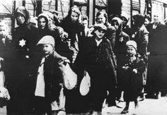 Deportatie per trein van Joden. Jodenvervolging. Tweede Wereldoorlog. Bron: Nationaal Archief.