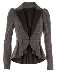 Grey Textured Peplum Jacket- structured jacket, with the inset puffed shoulders and deep V contrast neckline to narrow the shoulder, plus a peplum bottom to increase the visual width of the hips. Just about perfect to balance out the top heavy figure. Peplum Shirts, Peplum Jacket, Peplum Blazer, Gray Jacket, Peplum Dresses, Look Fashion, Fashion Outfits, Womens Fashion, Fashion Design