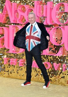 Jean Paul Gaultier 'Ab Fab' Red Carpet Look ist eine Ode an die Britannia - http://berlinmoda.com/general/jean-paul-gaultier-ab-fab-red-carpet-look-ist-eine-ode-an-die-britannia/