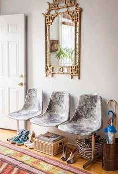 Decoupage Marble Fabric Chairs | Need a new touch to your chairs? Here's your next project. #DiyReady www.diyready.com