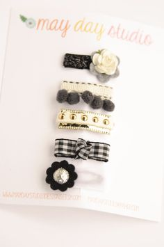 newborn baby/girls bitty hair clips collection - boutique ribbon bow baby snap clip set - black and white - tiny snap clips Ribbon Art, Ribbon Bows, Ribbons, Diy Hair Bows, Diy Bow, Felt Headband, Baby Headbands, Girls Bows, Baby Girls