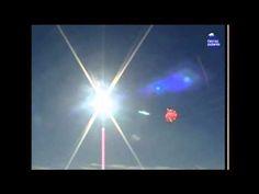 Expedición TransGroenlandia 2002 de Ramón Larramendi (3/10)  Los primeros pasos sobre el plateau de Groenlandia de Ramón y sus compañeros para situar el Catamarán Polar.… Ramones, Videos, Kites, Voyage